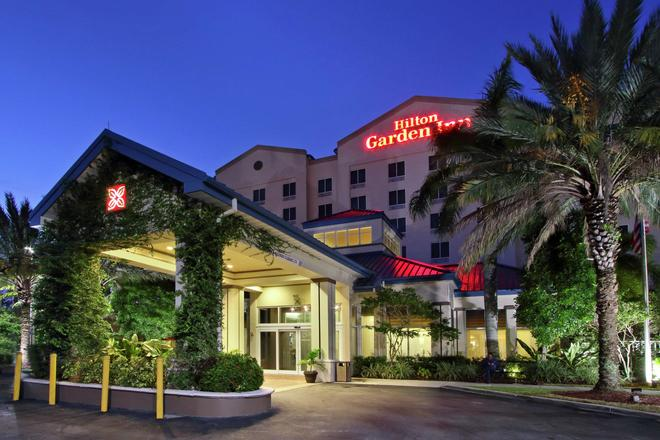 Hilton Garden Inn Miami Airport West - Miami - Edifício