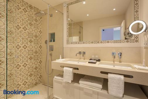 Vila Vita Parc Resort & Spa - Albufeira - Bathroom