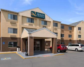 Quality Inn And Suites - Bozeman - Gebäude