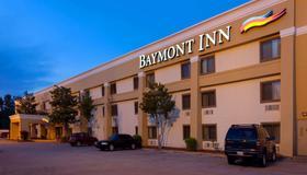 Baymont by Wyndham Memphis East - Memphis - Rakennus