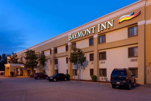 Baymont by Wyndham Memphis East - Memphis - Building