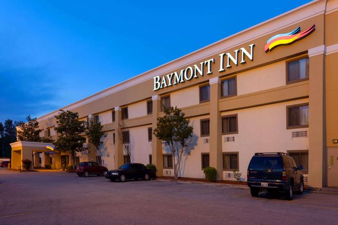 Baymont by Wyndham Memphis East - Memphis - Edificio