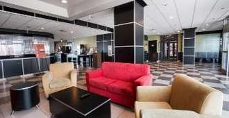 Travelodge by Wyndham Absecon Atlantic City - Absecon - Lobby