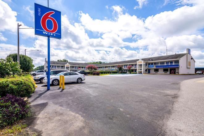 Motel 6 Anniston Al - Oxford - Κτίριο