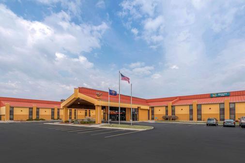 Quality Inn Fort Wayne - Fort Wayne - Rakennus