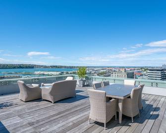 Scenic Hotel Dunedin City - Dunedin - Balcón