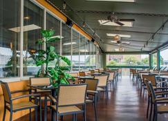 Clarion Hotel and Suites Riverfront - Oswego - Restaurant
