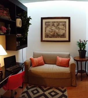 Margie Townhome Suites - Toronto - Living room