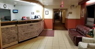 Redwood Motor Inn - Brandon - Front desk
