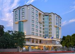 Fortune Landmark-Member Itc Hotel Group - Ahmedabad - Building