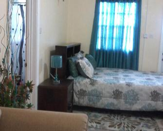 Summers Inn - Gros Islet - Bedroom