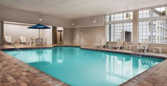 Ramada by Wyndham Pigeon Forge North - Pigeon Forge - Pool