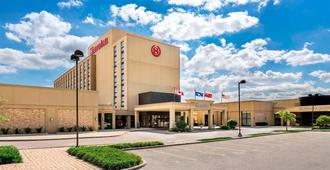 Sheraton Toronto Airport Hotel & Conference Centre - Торонто - Здание