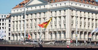 Four Seasons Hotel des Bergues Geneva - ג'נבה