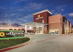 La Quinta Inn & Suites by Wyndham Dallas Northeast-Arboretum - Garland - Edificio