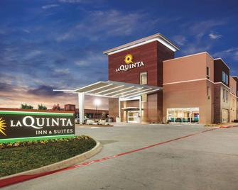 La Quinta Inn & Suites by Wyndham Dallas Northeast-Arboretum - Garland - Gebouw