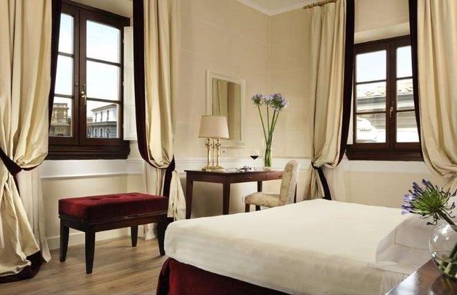 Fh55 Hotel Calzaiuoli - Флоренция - Спальня