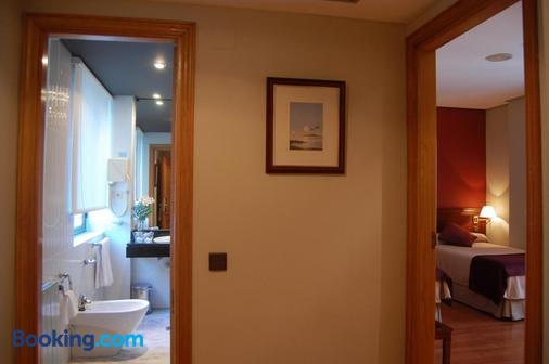 Hotel Sercotel Felipe IV - Valladolid - Bathroom