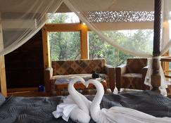 The Machan - Lonavala - Bedroom