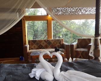 The Machan - Lonavala - Bedroom