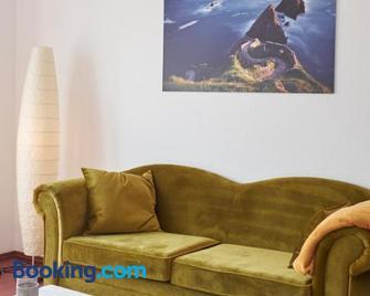 Apartment in musikalischem Haus - Mayen - Living room