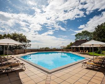 Avani Lesotho Hotel & Casino - Масеру - Басейн