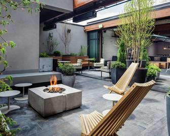 Freepoint Hotel Cambridge, Tapestry Collection by Hilton - Cambridge - Patio