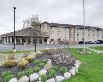 Comfort Inn - Painesville - Edificio