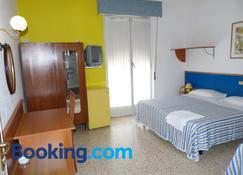 Hotel Bologna - San Benedetto del Tronto - Camera da letto