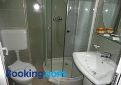 阿里昂酒店 - 康斯坦察 - 浴室