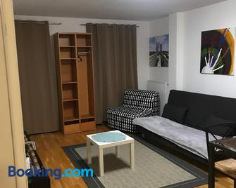 Lg Lovely Apartment - Stockerau - Huiskamer