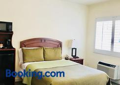 Bella Capri Inn - Camarillo - Bedroom