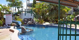 Grand Melanesian Hotel - נאדי