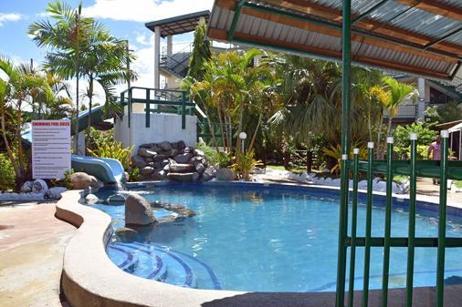 Grand Melanesian Hotel - Nadi - Pool