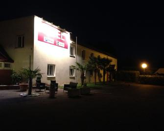 Garden's Hotel - Nevers - Building