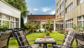Best Western Plus Delta Park Hotel - Mannheim - Patio