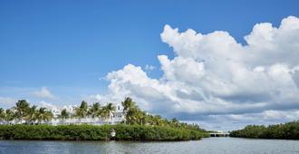 鸚鵡格調度假勝地酒店 - 西嶼 - 基韋斯特 - 室外景