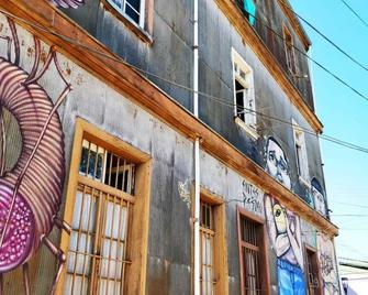 The Lift Valpo - Valparaiso - Building