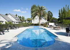 Chapel Cottage - Russell - Piscina