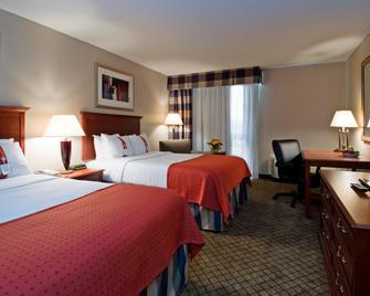 Holiday Inn Hotel & Suites Cincinnati - Eastgate - Cincinnati - Bedroom