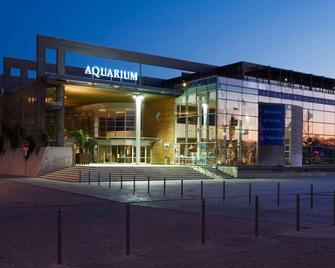 hotelF1 La Rochelle Angoulins - Angoulins - Building