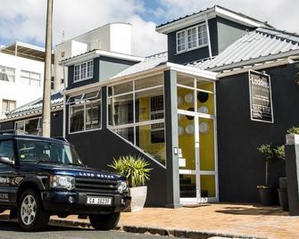 Loddeys Guesthouse - Strand - Building