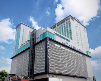 Hatten Hotel Melaka - Malacca - Building