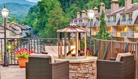 Baymont Inn & Suites Gatlinburg On The River - Gatlinburg - Balcony