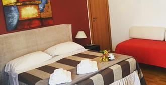 B&B Pitagora - Crotone - Schlafzimmer