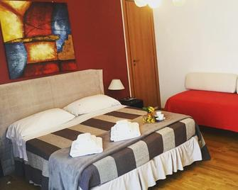 B&B Pitagora - Crotone - Bedroom