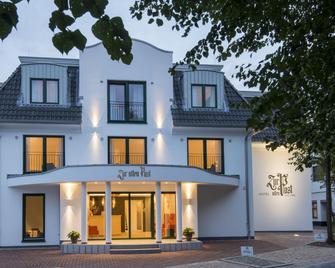 Hotel Zur alten Post - Büsum - Building