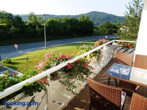Guesthouse Franjkovic - Drežnik Grad - Balcony