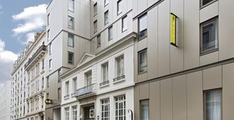B&b Hotel Lyon Centre Perrache Berthelot - Lyon - Building