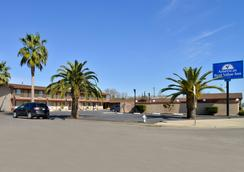 Americas Best Value Inn Los Banos - Los Banos - Outdoors view